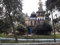 Castillo de juegos del Parque Jipiro